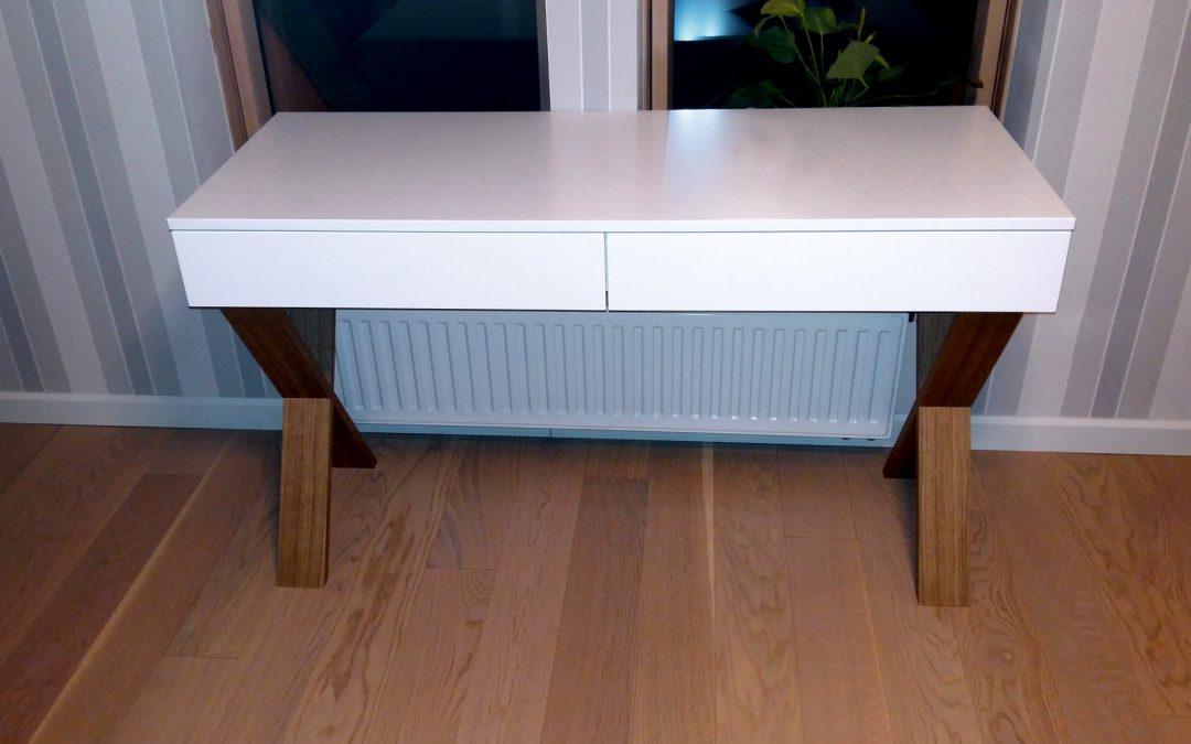 Oryginalne biurko o nietuzinkowym wyglądzie