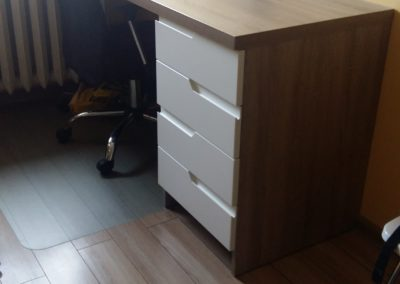 biurko z szufladami 1
